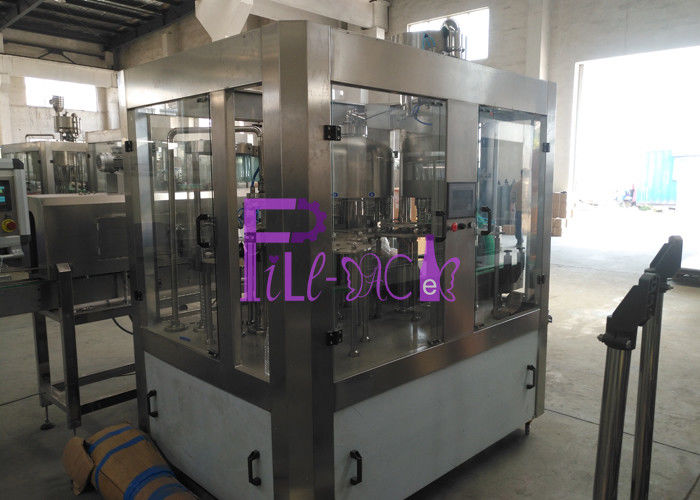 PLC Control High Speed Automatic Water Filling Machine For Plastic / PET Bottle